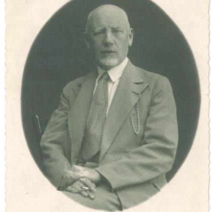 Dobeles slimnīcas ārsta E. Francmaņa portrets.